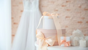 Pros and Cons of a Wedding Gift Registry