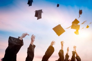 5 Reasons to Host a Graduation Party