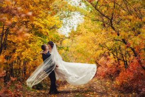 5 Benefits of Hosting a Fall Wedding